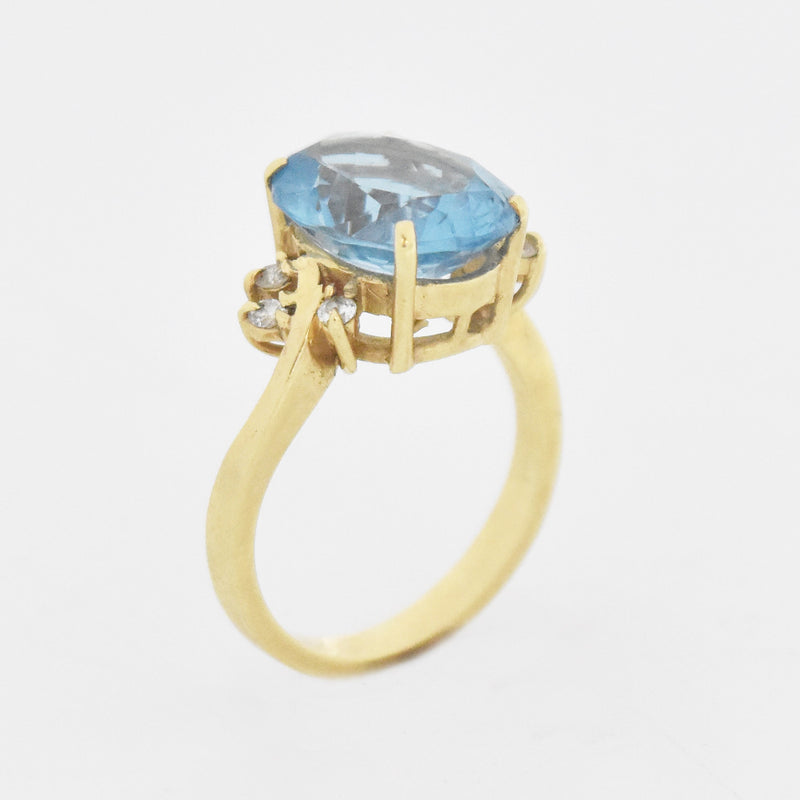 14k Yellow Gold Oval Blue Topaz & Diamond Ring Size 6