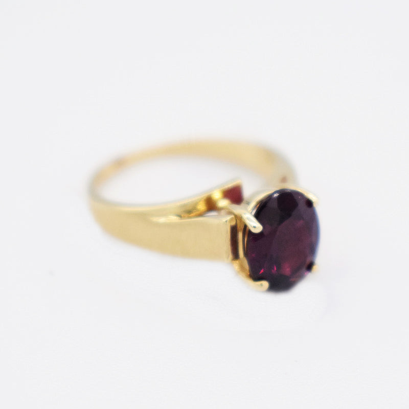 10k Yellow Gold Estate High Setting Oval Garnet Ring Size 2.75