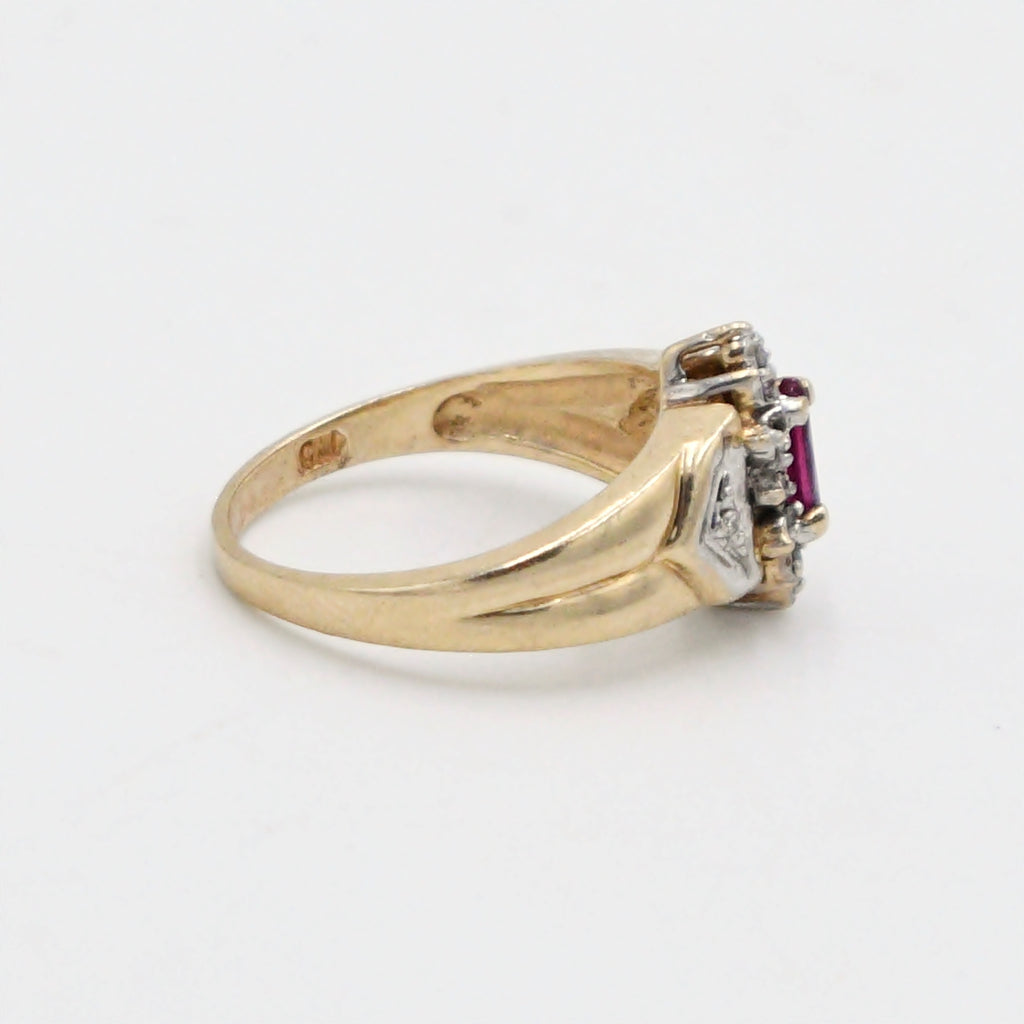 10k Yellow Gold Vintage Ruby & Diamond Ring Size 6