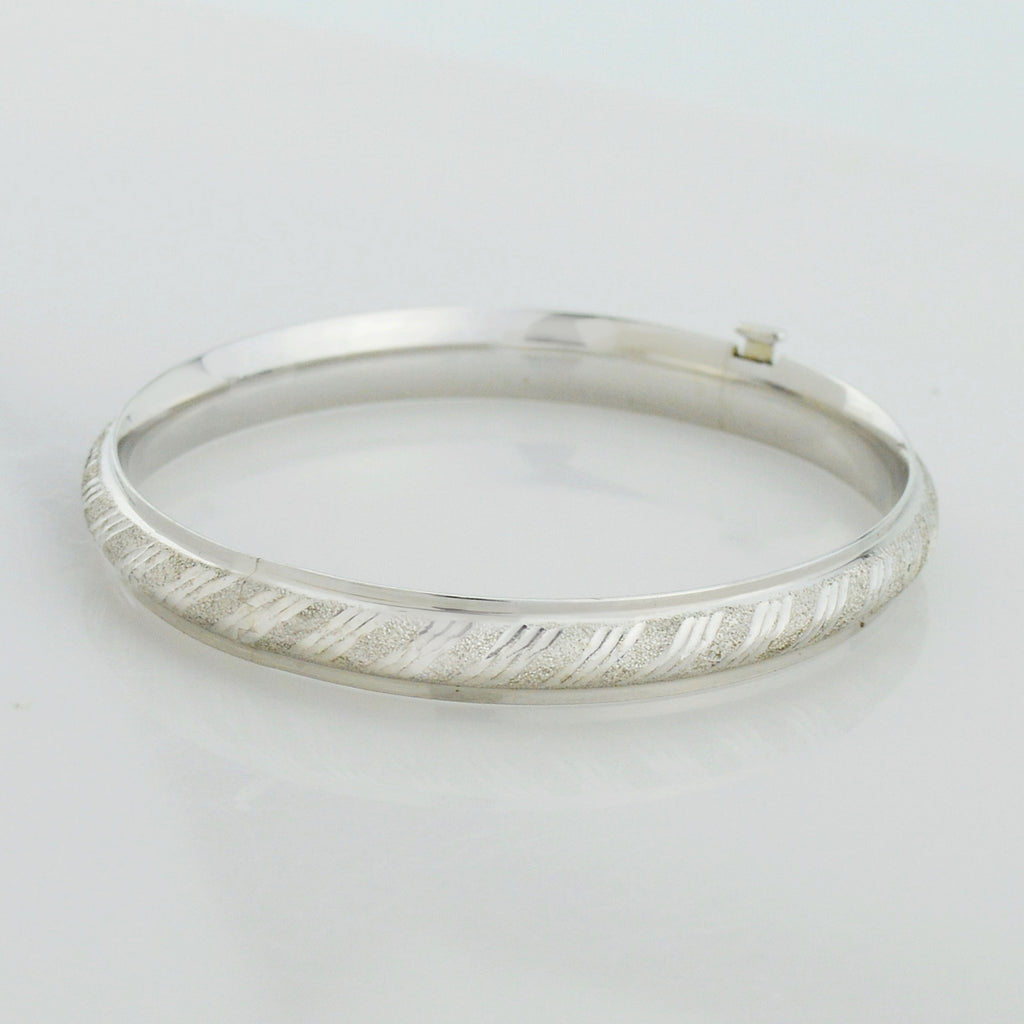 14k White Gold Estate Textured Bangle Bracelet