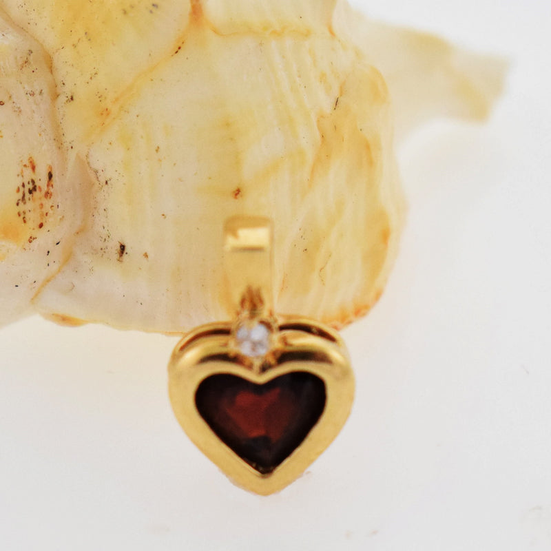 14t Yellow Gold Estate Amethyst & Diamond .02 tcw Heart Pendant