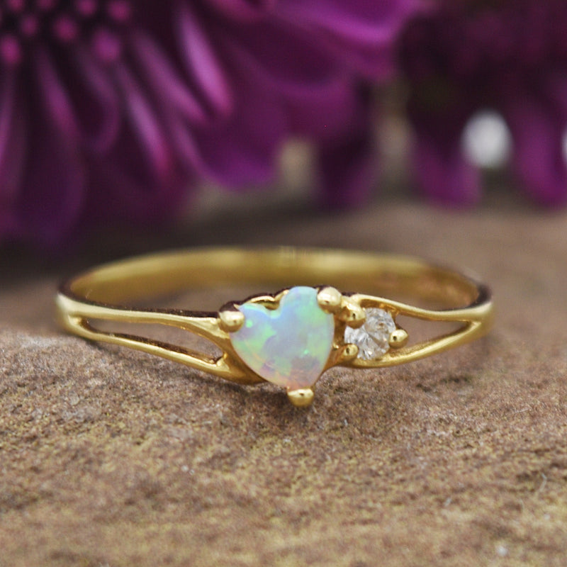10k Yellow Gold Estate Fire Opal & White Gemstone Heart Ring Size 5.5