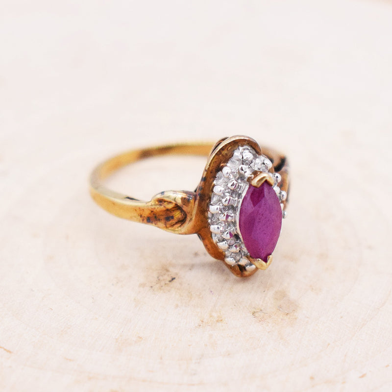 10k Yellow Gold Swirl Ruby & Diamond Ring Size 5.25
