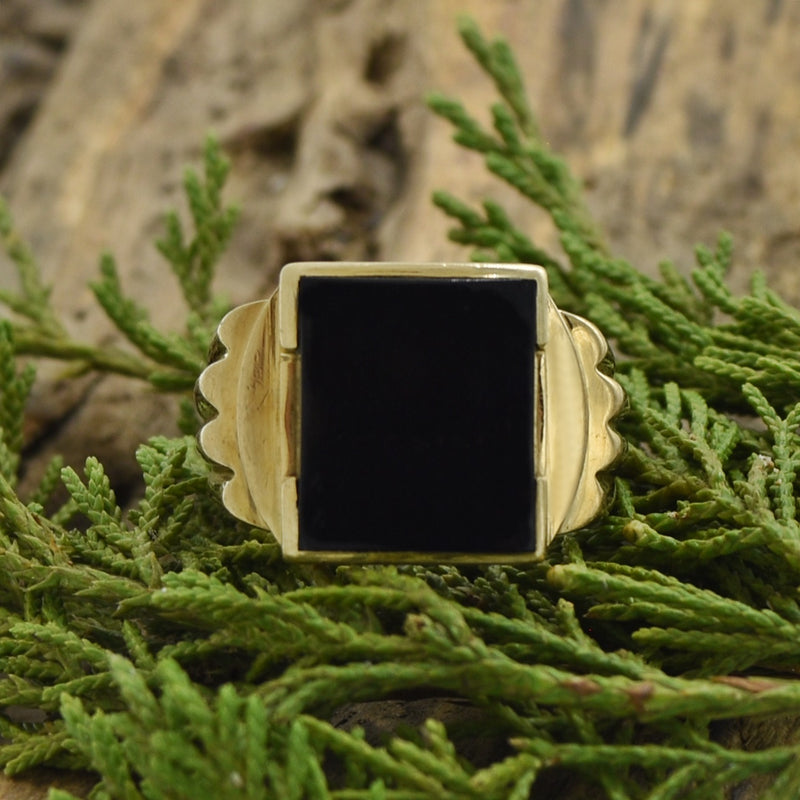 10k Yellow Gold Vintage Ribbed Black Onyx Ring Size 9.75