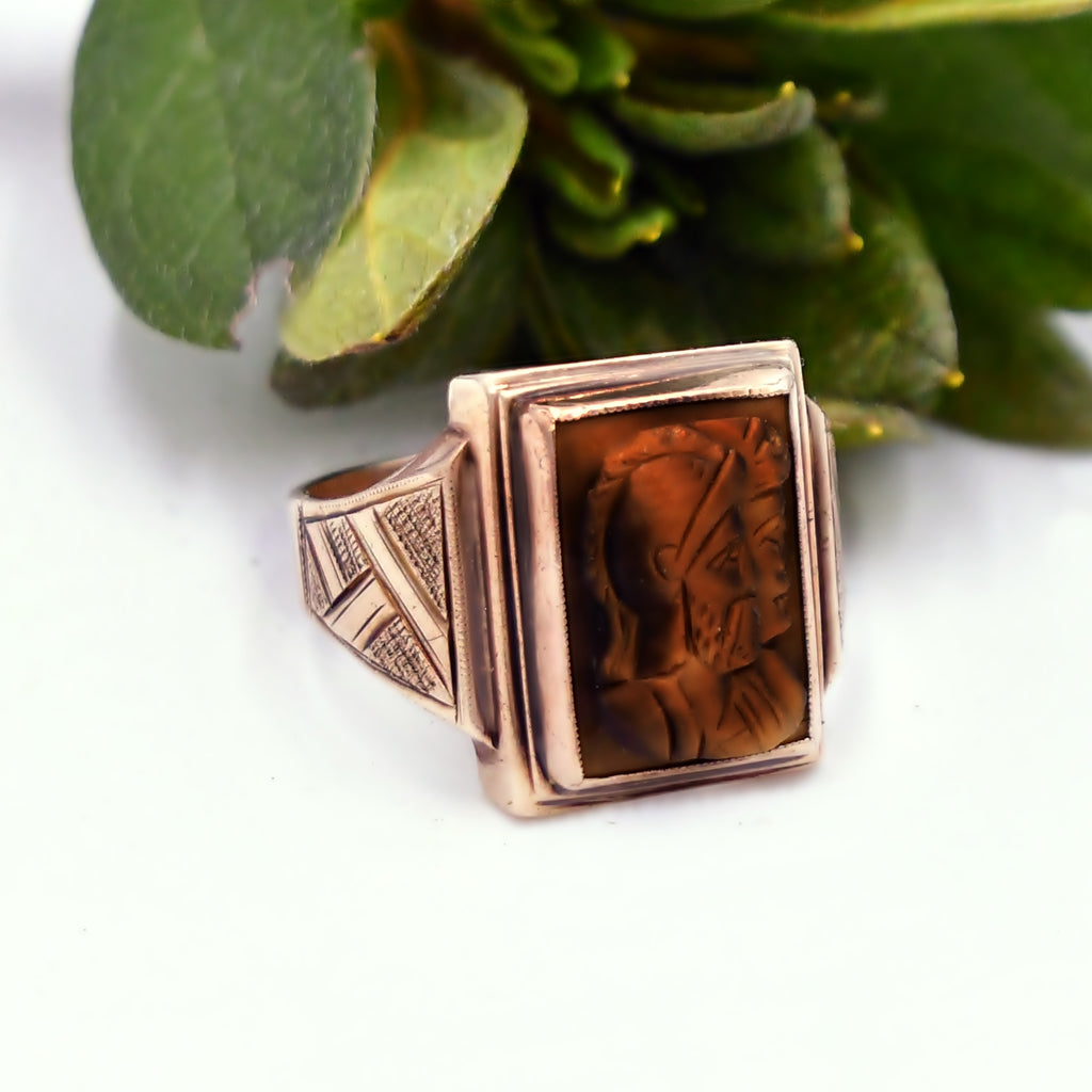 10k Yellow Gold POOLE Antique Carved Soldier Tiger Eye Ring Size 9.75