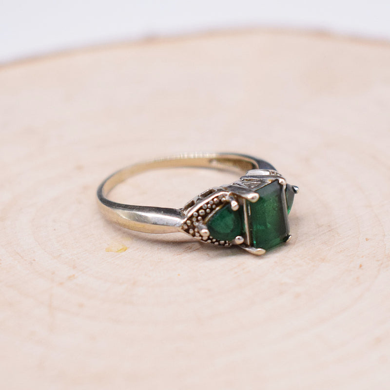 10k WG 3 Stone Emerald Tier Ring Size 7.25
