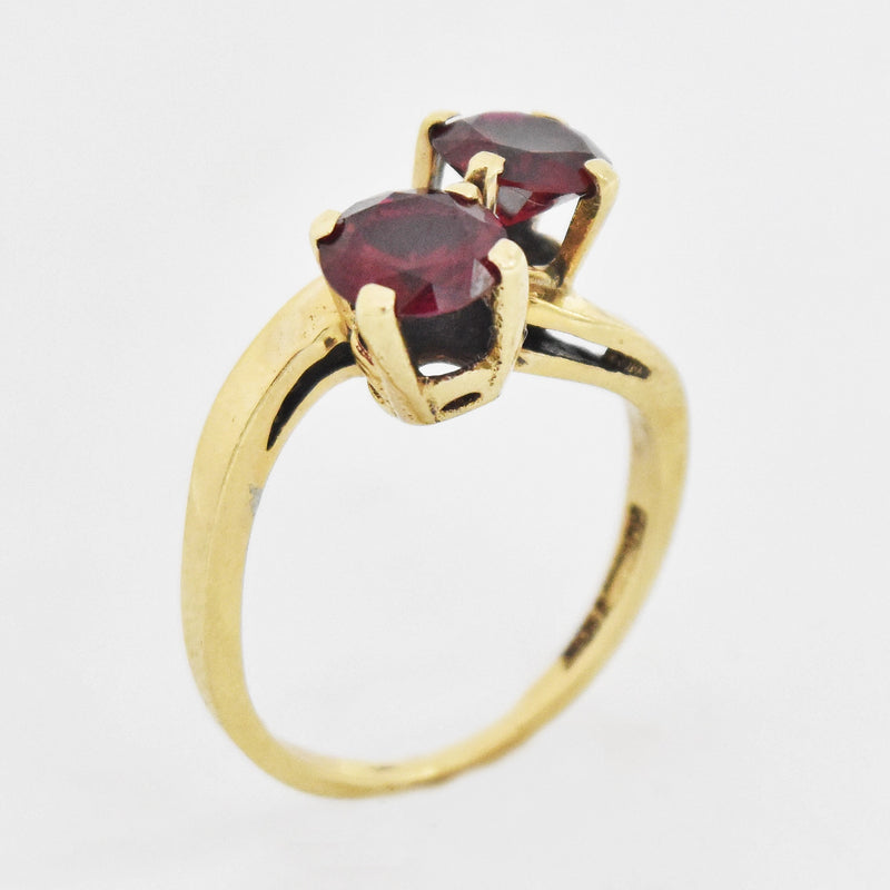 10k Yellow Gold Estate Swirl Double Ruby Ring Size 6