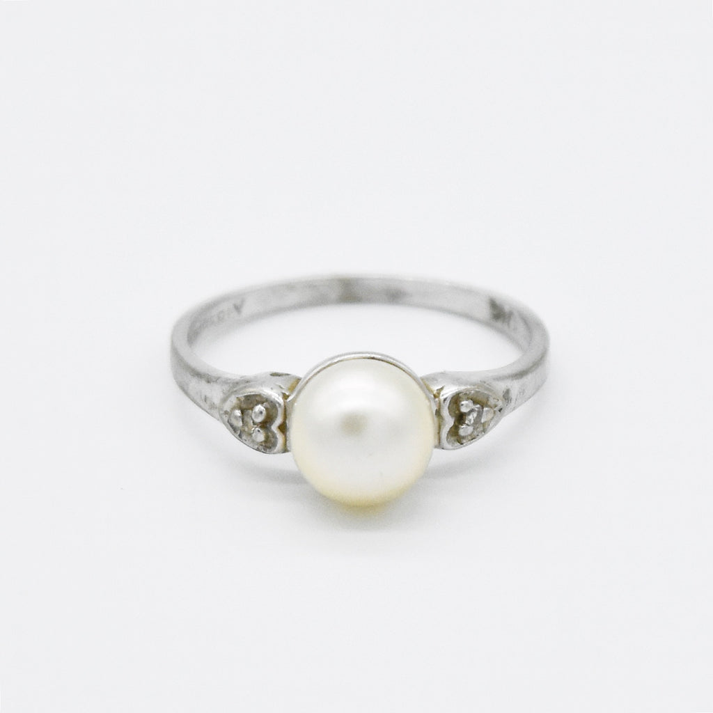 10k White Gold Estate Pearl & Diamond Ring Size 6.25