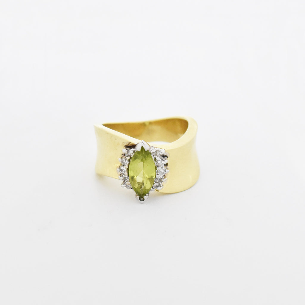 14k Yellow Gold Estate Wide Peridot & Diamond Ring Size 6.25