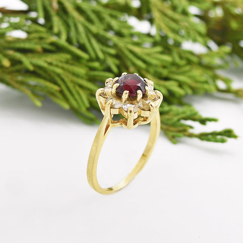 10k Yellow Gold Estate Ruby & White Spinel Ring Size 6.25