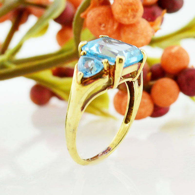 10k Yellow Gold Estate Tri/Three Blue Topaz Gemstone Ring Size 7