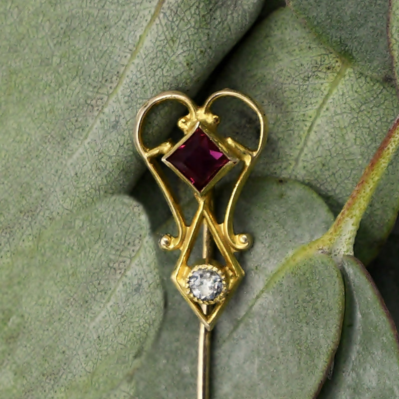 10k Yellow Gold Antique Open Work Red & White Gem Stick Pin