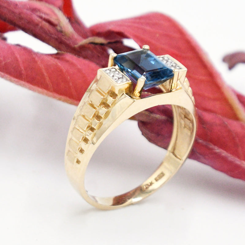 10k Yellow Gold Estate Textured Blue Topaz & Diamond Ring Size 12.25