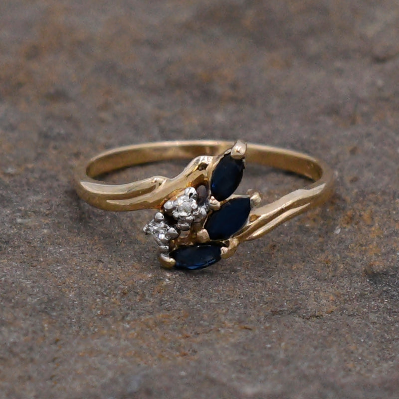 10k Yellow Gold Estate Sapphire & Diamond .02 tcw Swirl Ring Size 6