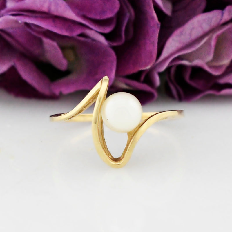 14k Yellow Gold Estate Swirl Design Solitaire Pearl Ring Size 8.25
