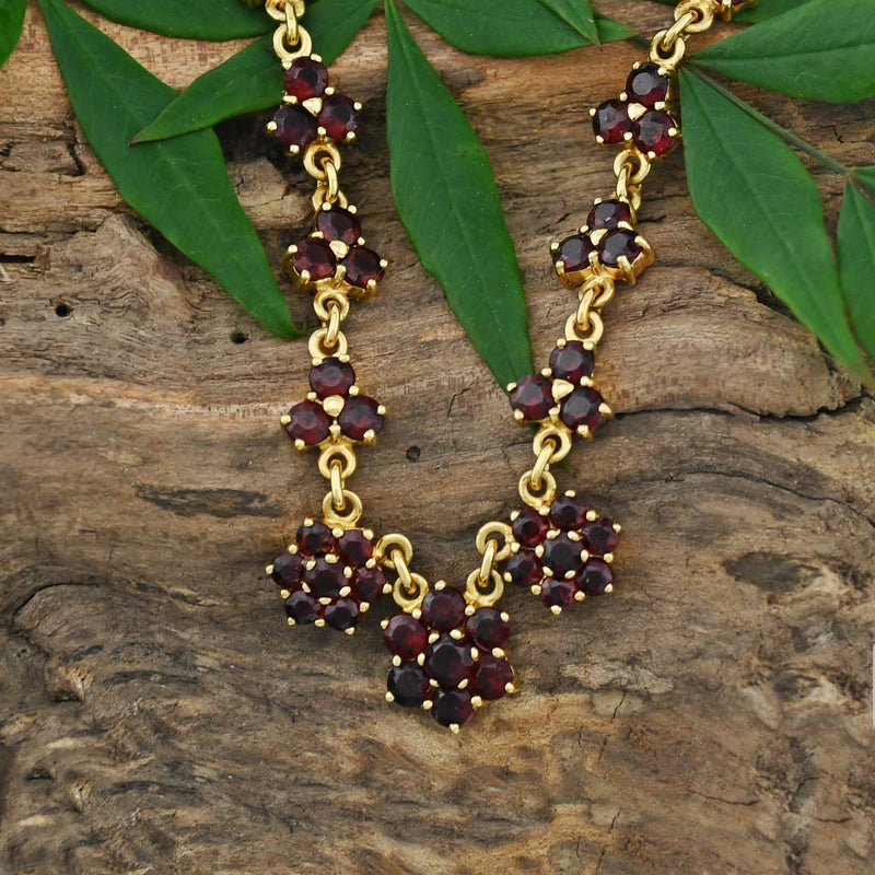 "18k Yellow Gold Garnet Flower Design Choker Necklace 15 3/4"" Long"