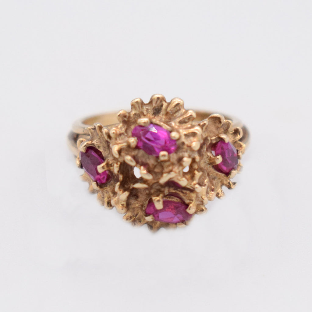 10k Yellow Gold Vintage Ruby Brutalist Flower Ring Size 7