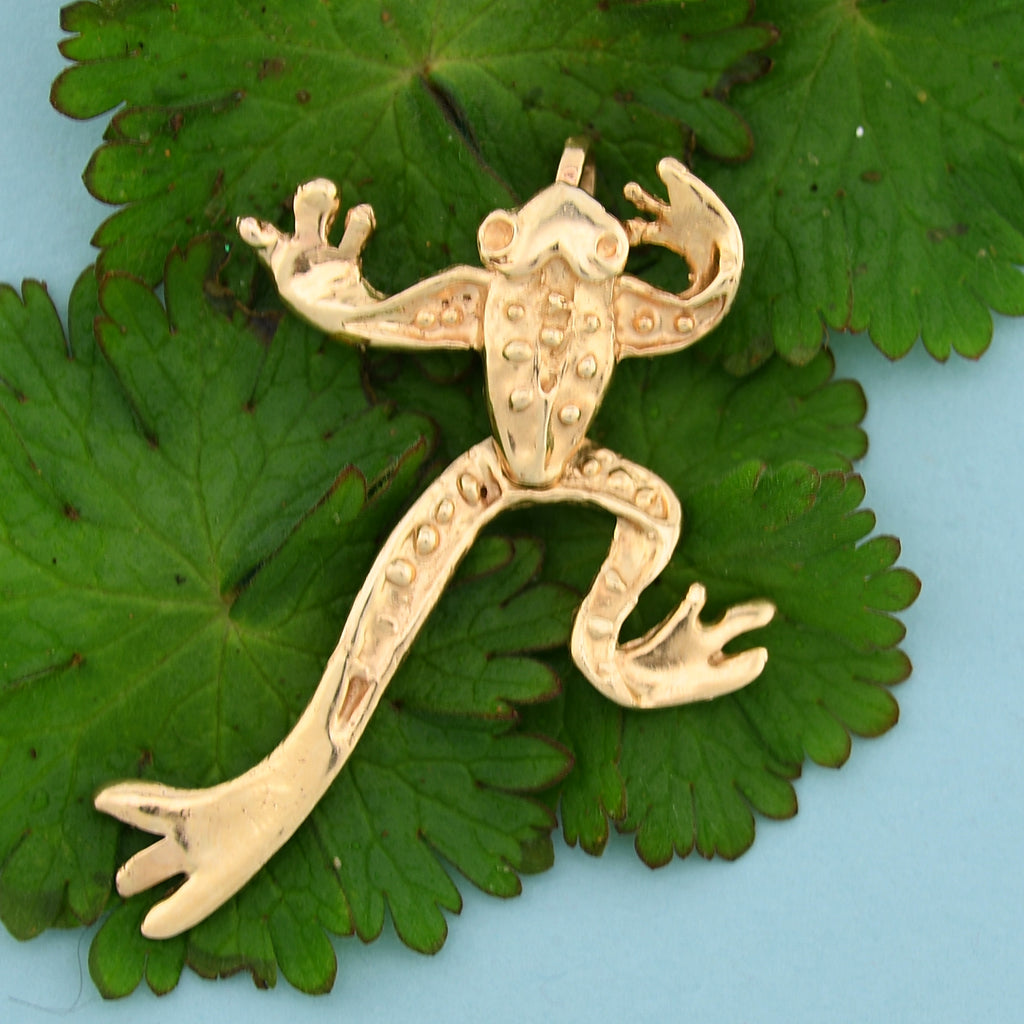 10k Yellow Gold Estate Textured Articulated Frog Animal Pendant