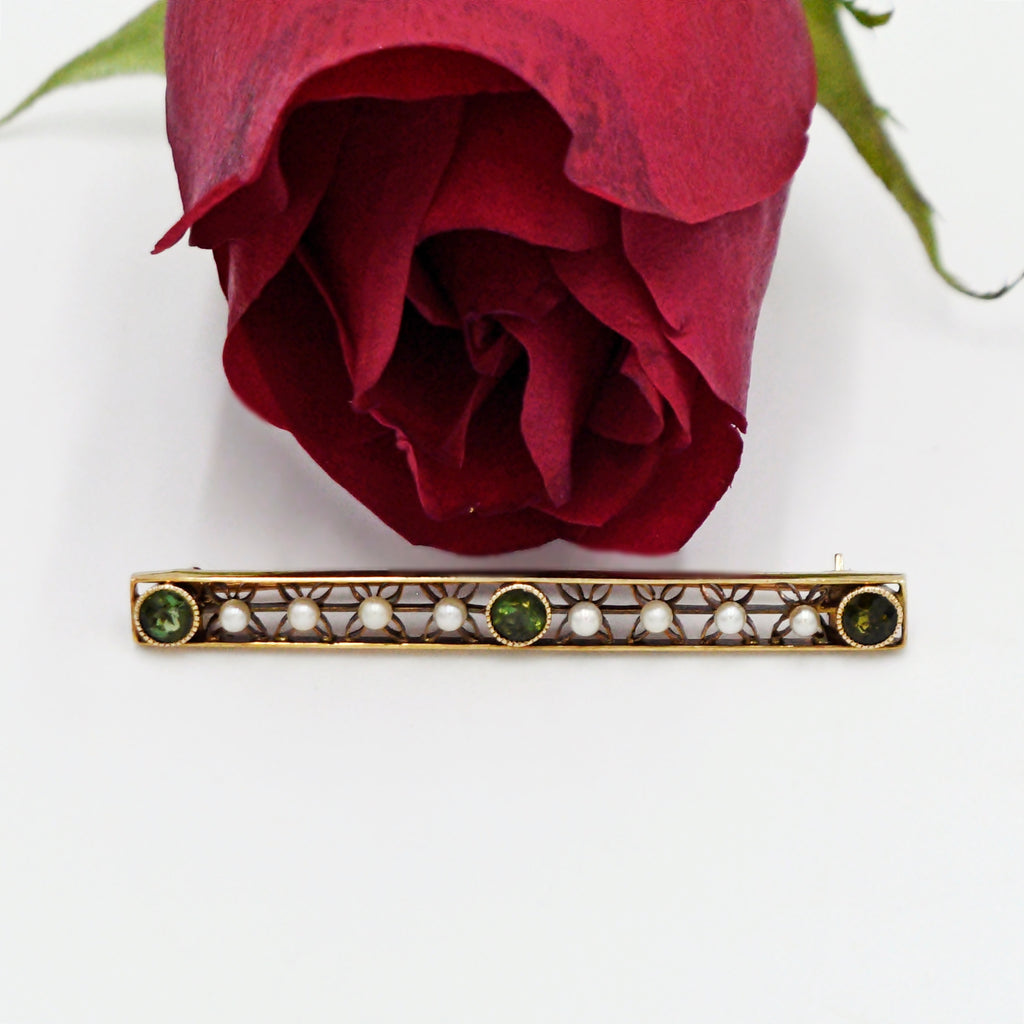 14k Yellow Gold Antique Emerald & 2.1 mm Pearl Bar Pin
