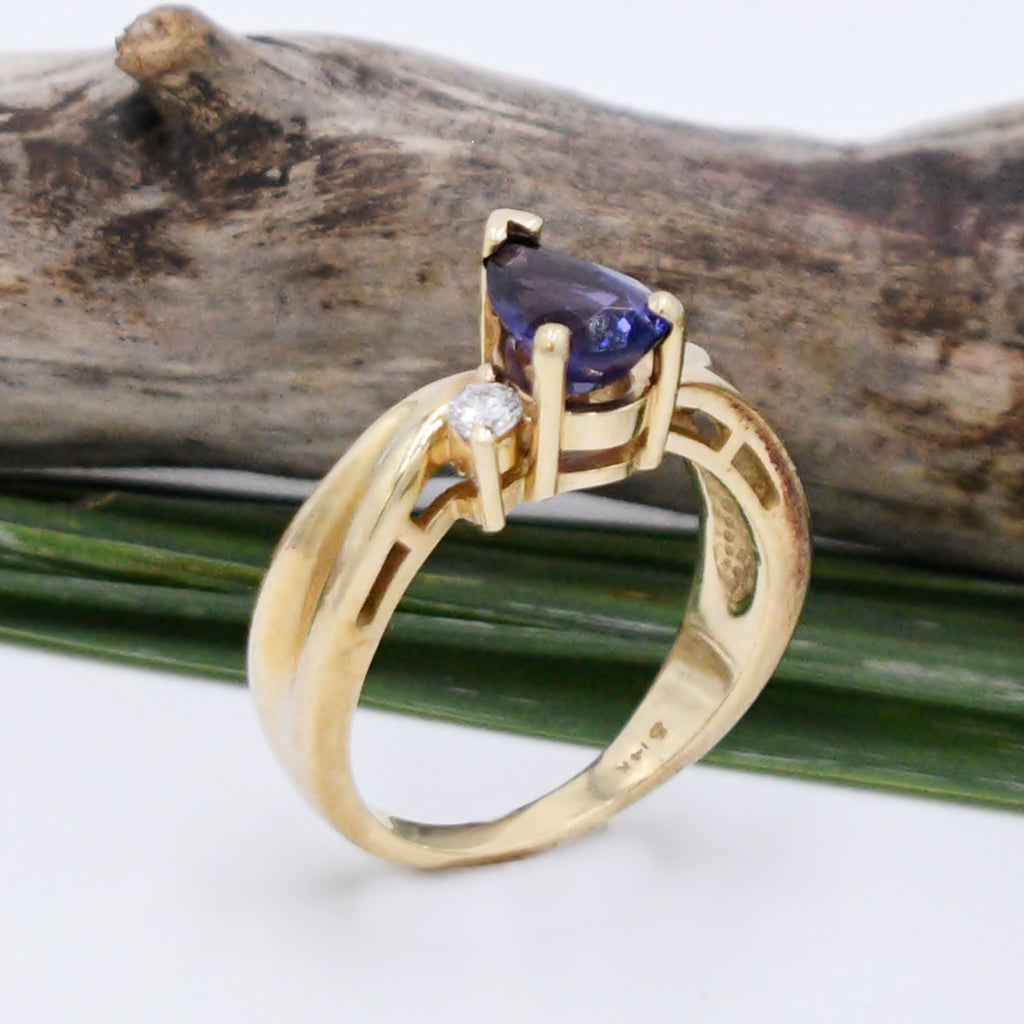14k Yellow Gold Estate Teardrop/Pear Amethyst & Diamond Ring Size 7