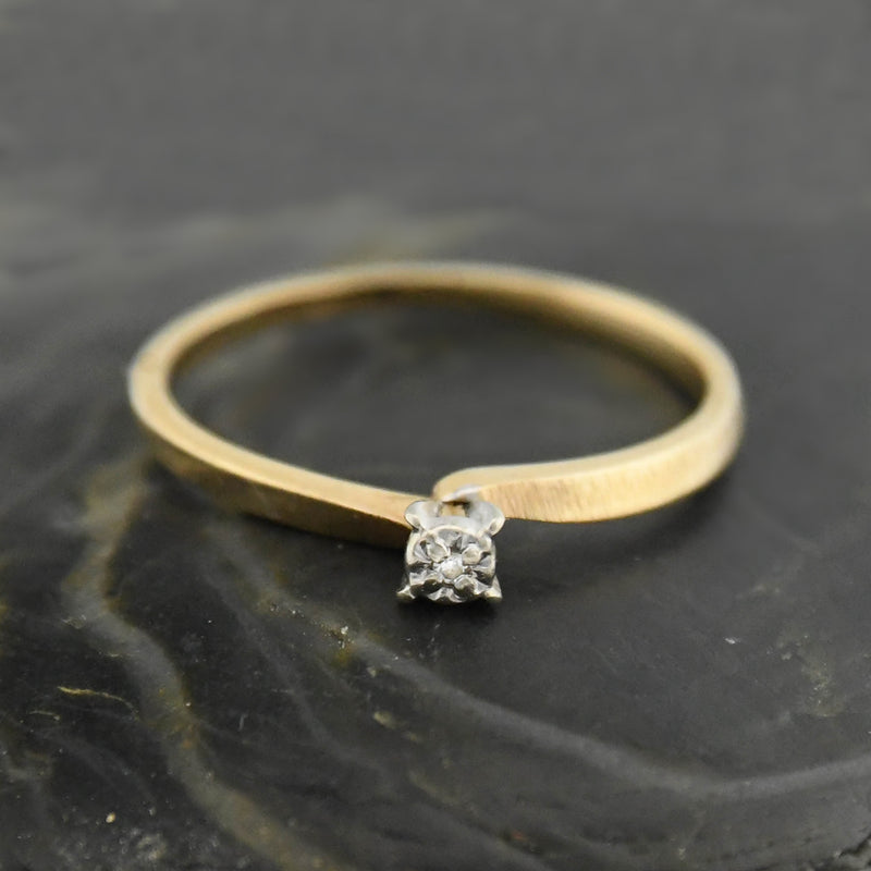 10k Yellow Gold Vintage Diamond Ring Size 6.25