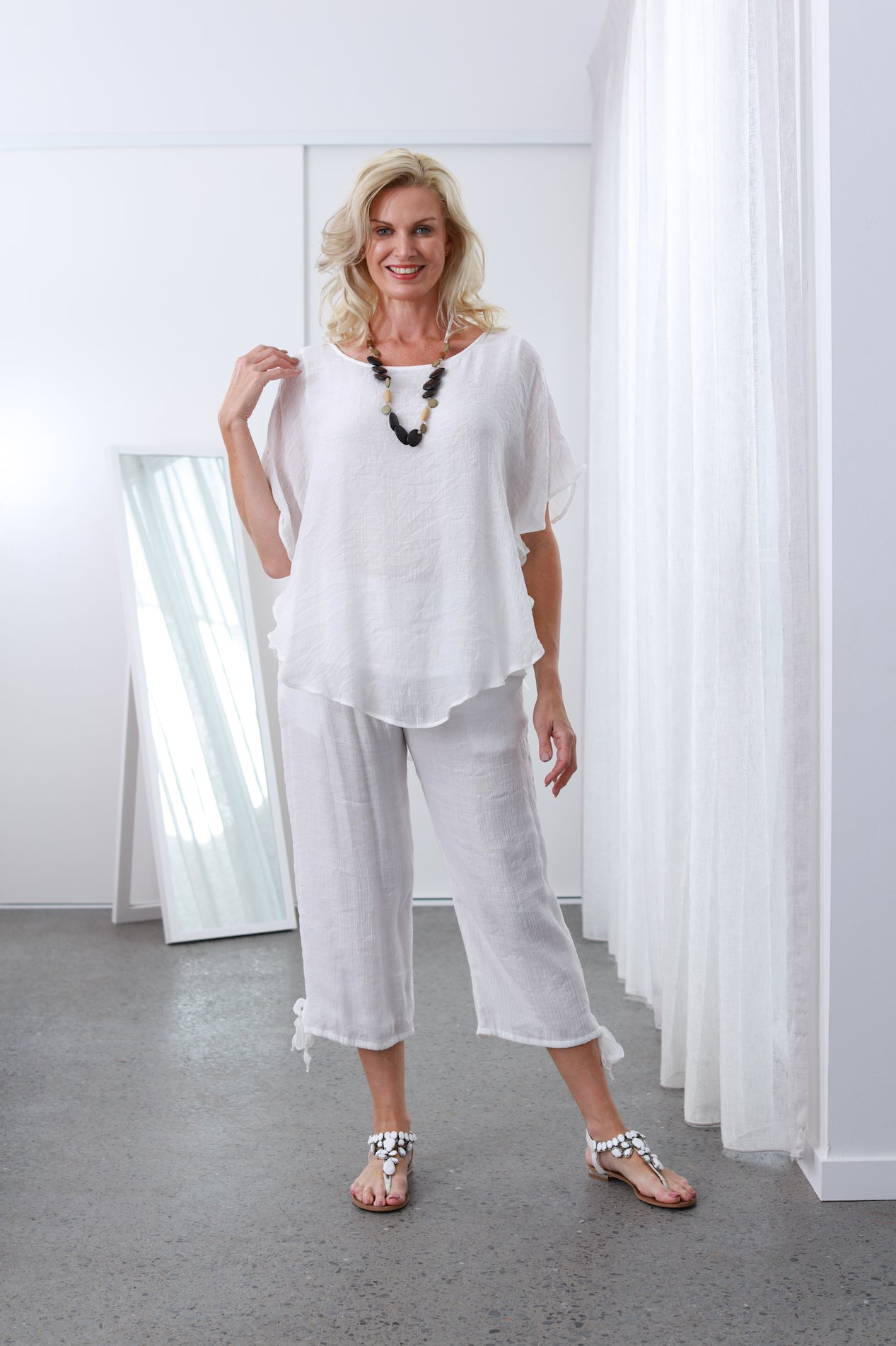 Bamboo Stylish White Top with double lining