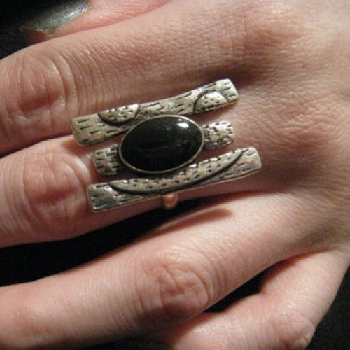 Oval Black Ring - Stinnys