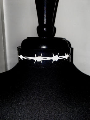Barbed Wire Choker.