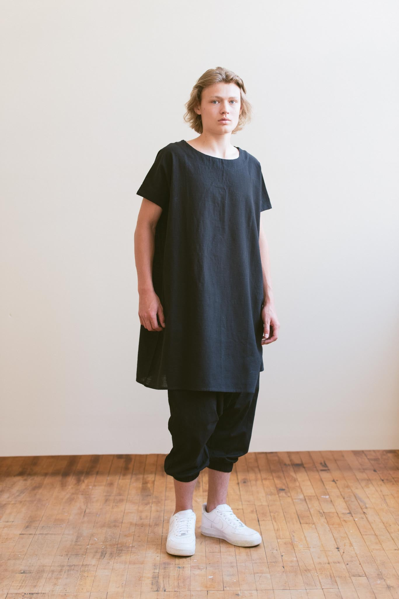 HAND LOOMED COTTON TUNIC - BLACK