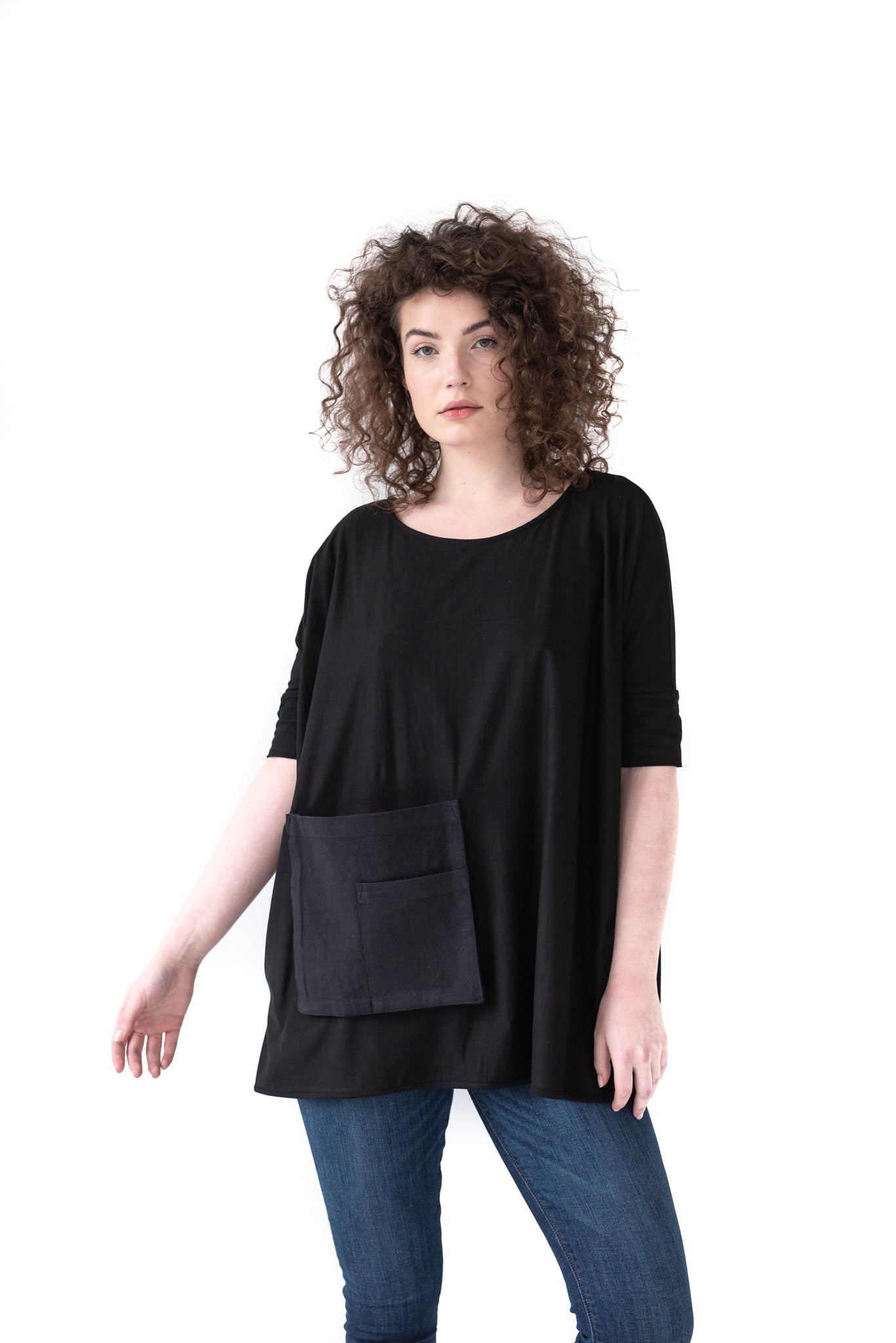 BLACK POCKET TOP