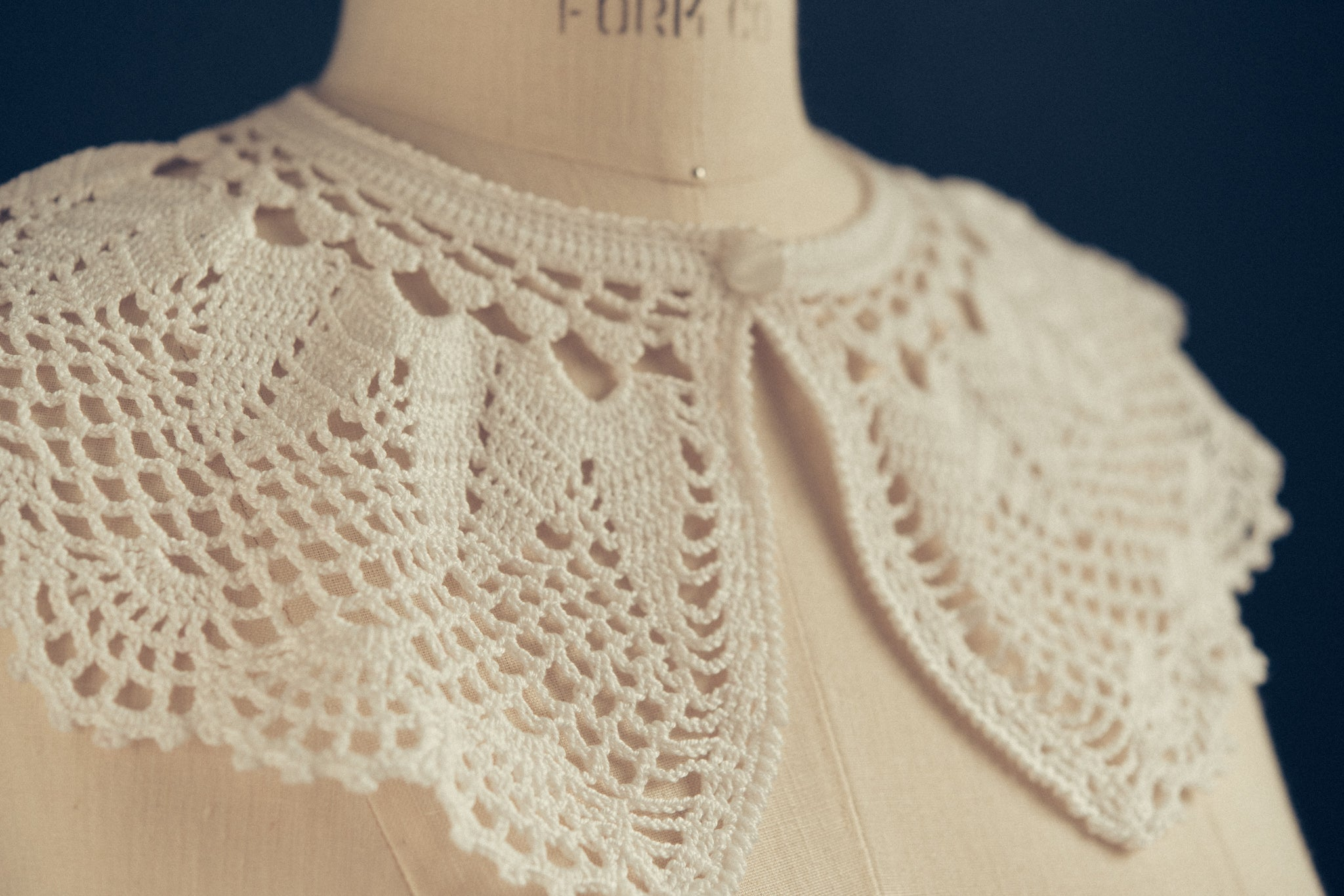 Handmade crochet collar made in Italy - Patrizia Montanari