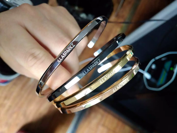 iLLASPARKZ Signature Bangle Set