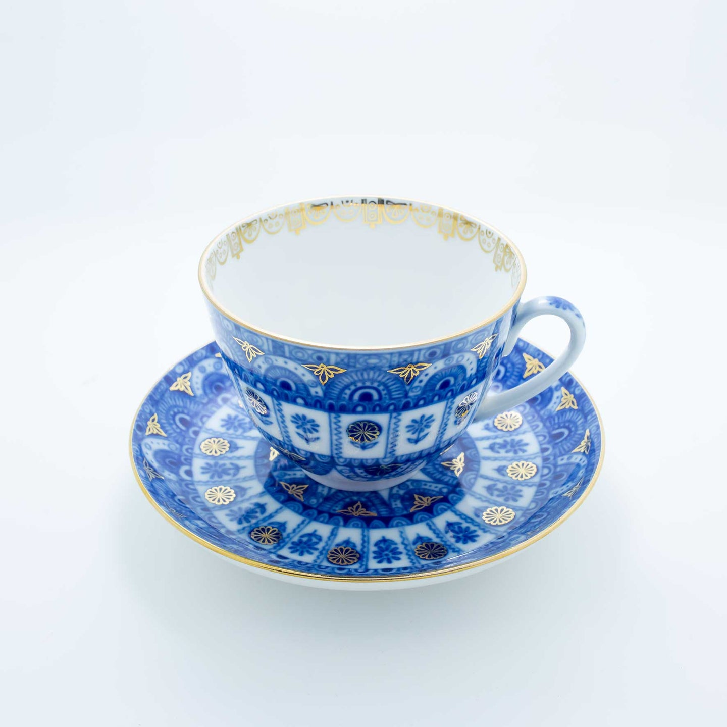 Refresh Moment Imperial Porcelain St. Petersburg 1744 Azure Teacup and Saucer