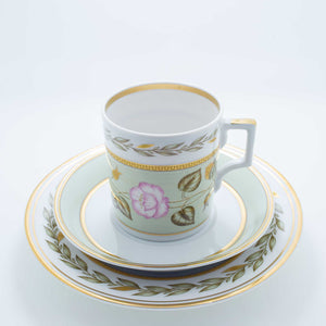 Refresh Moment Imperial Porcelain St. Petersburg 1744 The Nephrite Teacup and Saucer