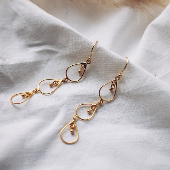 Newfound Three Drops Earrings - Gold