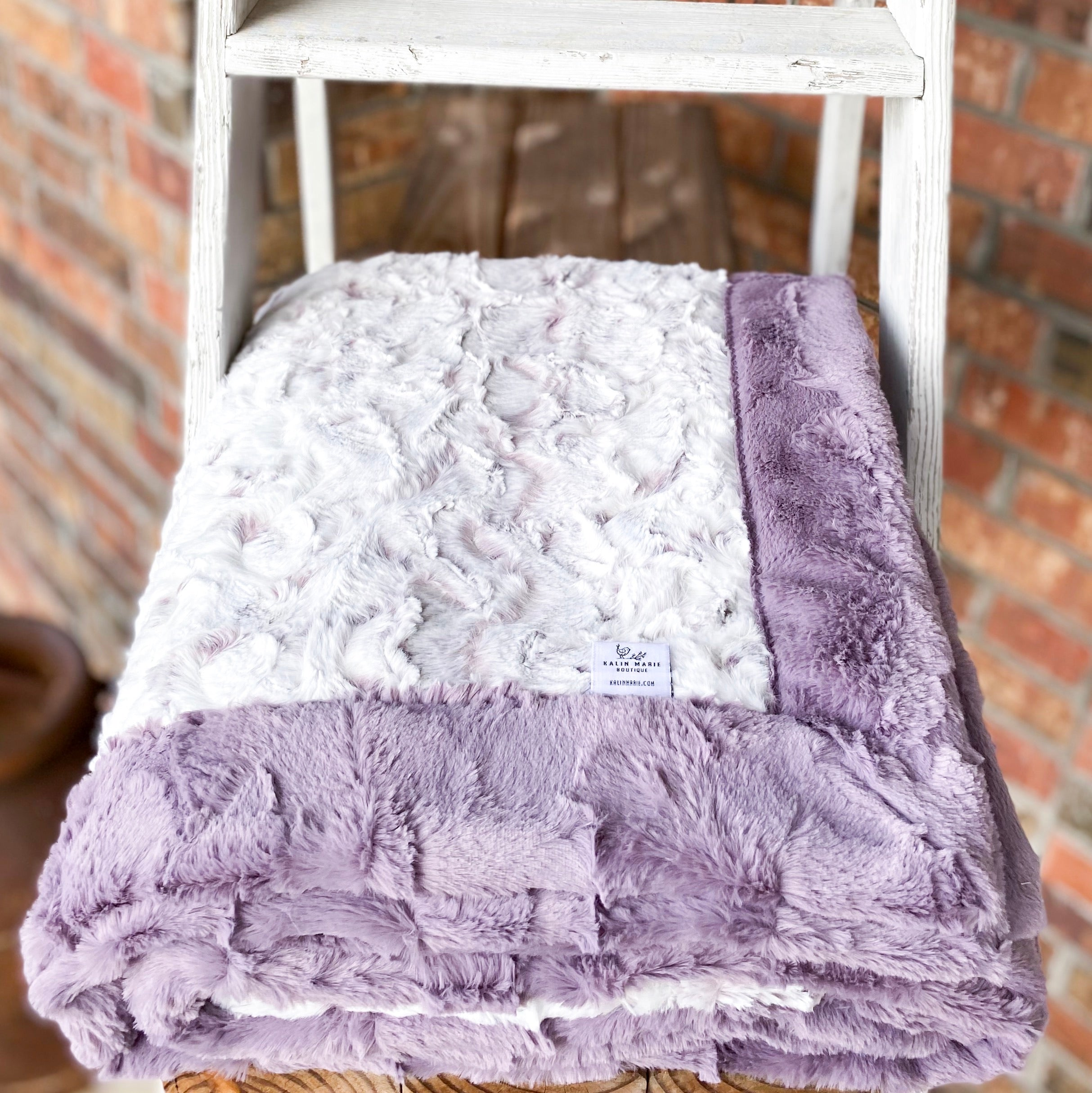 Easy Order Snowy Owl Elderberry & Elderberry Hide Double Luxe Blanket