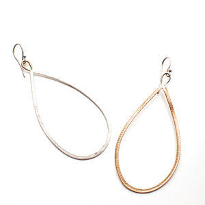Teardrop Link Earring 1 Gold 1 Silver