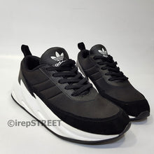 Adidas Sharks | Black on white soles