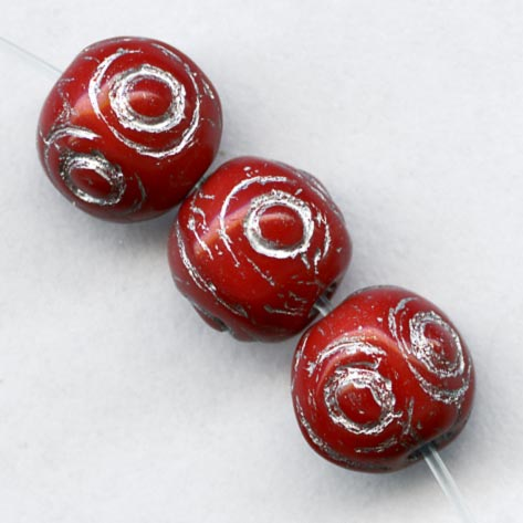 Pressed cherry red glass beads with silver décor 7mm. Pkg of 20. b11-rd-0796(e)