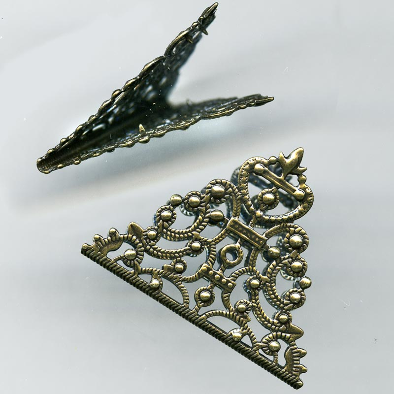 Antiqued brass folded filigree triangle. 35x33mm pkg of 1. b9-0978(e)