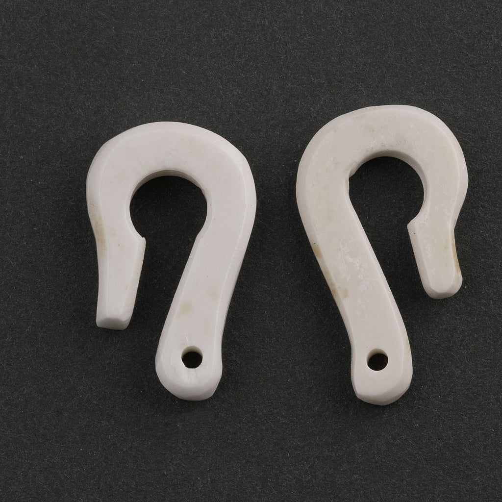 Hand carved bone hook clasp.  Avg. 25mm.  India.  1 pc.  B8-366