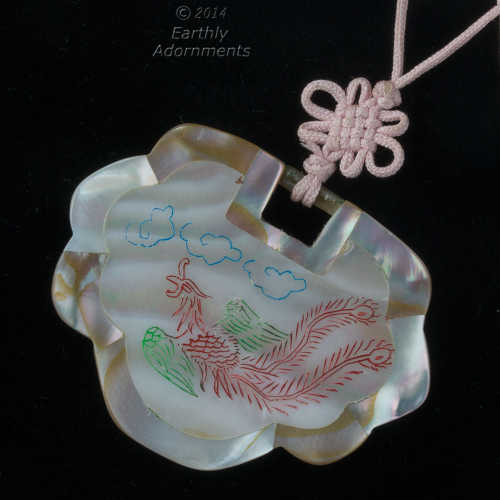 B10-0102 Vintage Inlaid Mother of Pearl Lock pendant, etched and painted, 40x52mm. 1970's Chinese export