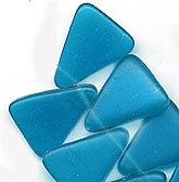 b11-bl-0776-Czech capri blue flat triangular pendant. Pkg of 4