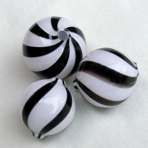 Rare hollow blown black and white swirl rounds Japan 22mm sold individually. b11-bw-0992-2