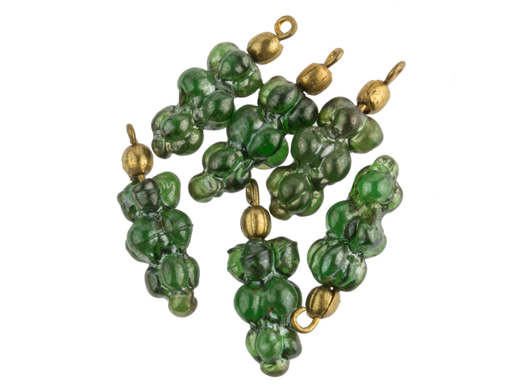 Vintage green grape cluster pendant with luster finish. 20mm. Pkg of 6. b11-gr-0945