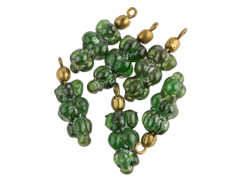 Vintage green grape cluster pendant with luster finish. 20mm. Pkg of 6. b11-gr-0945(e)