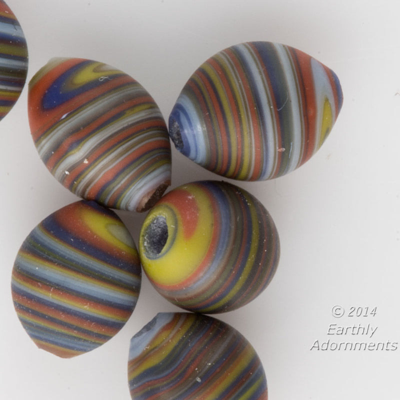 Swirled multicolored tiny ovals. 7x5mm. Package of 4. b11-mi-2041