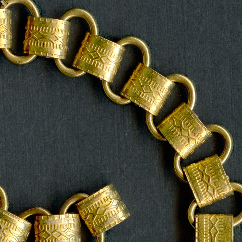 Vintage style embossed solid brass book chain per foot. b12-chn578