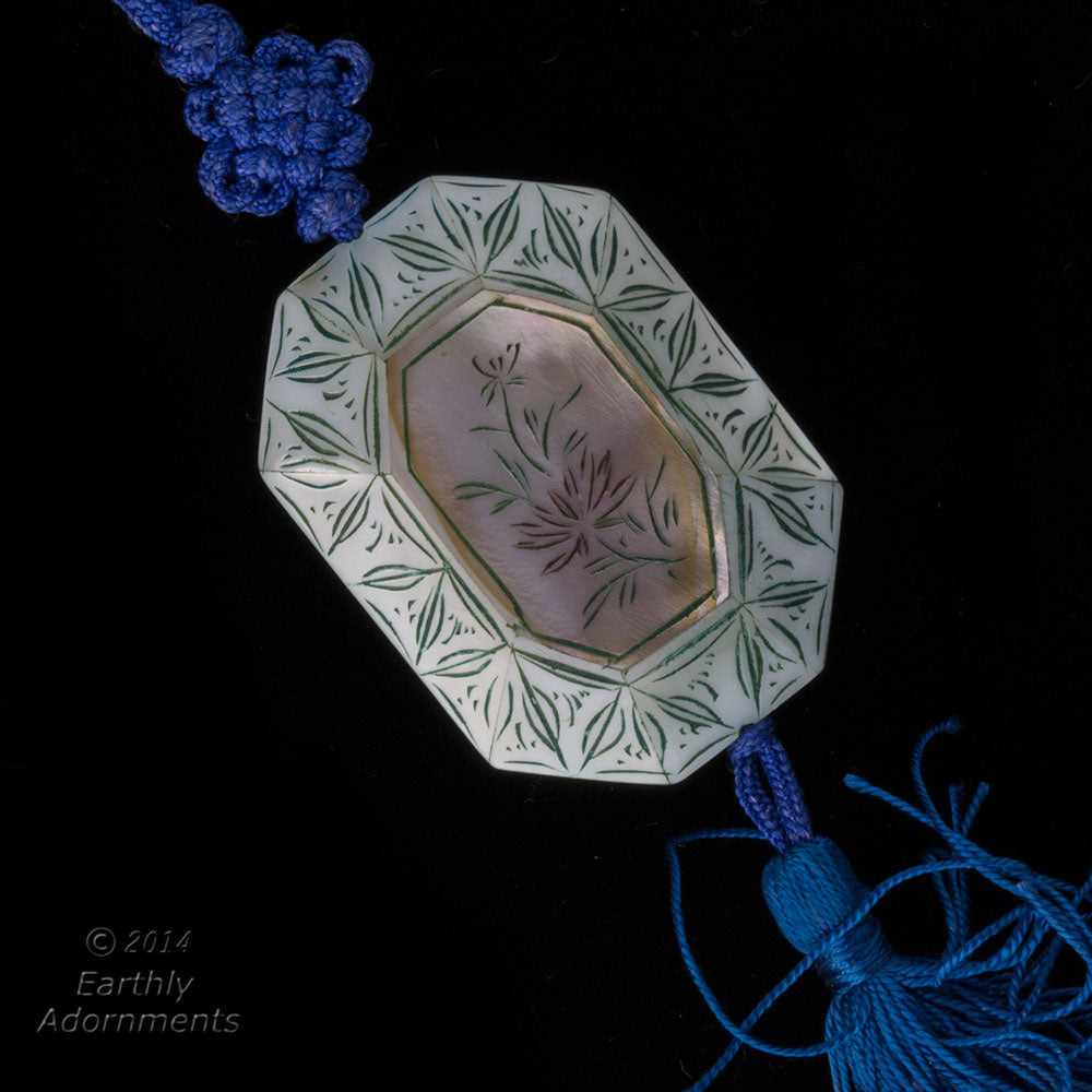Vintage Chinese Mother of Pearl Inlaid etched and painted bead