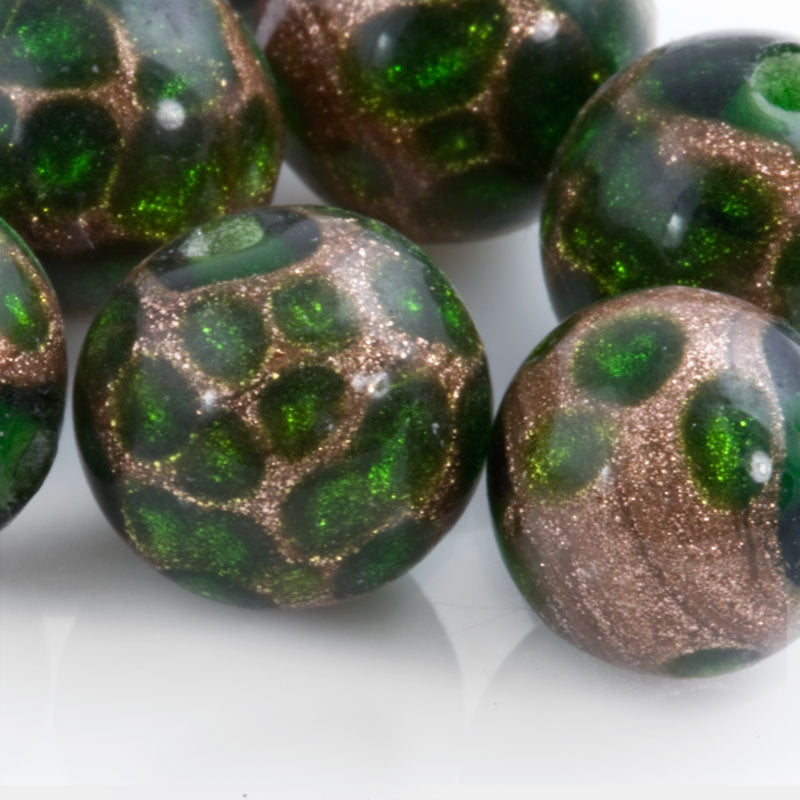 Vintage Japanese Green and Aventurine lampwork made for Coro. 10mm. Pkg of 1. b1-613(e)